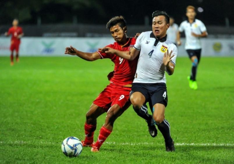 KL2017: Singapore keep hope alive for semis